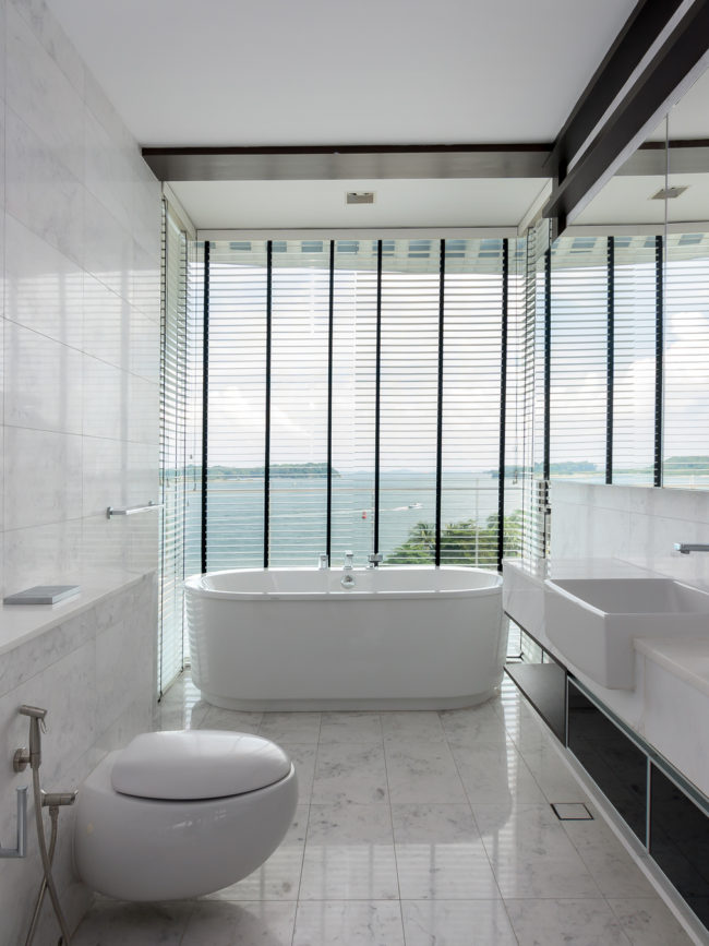 Sentosa Cove Apartment Bathroom